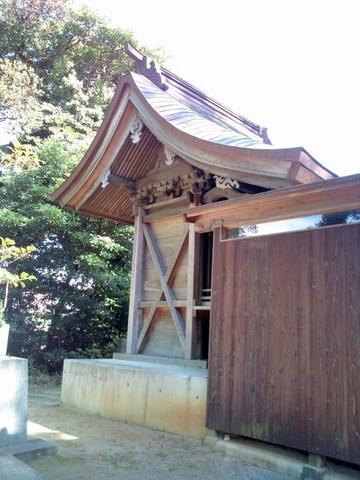 sugaakama_honden (480x640).jpg